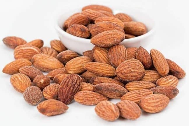 low-carb-snacks-almond-nuts