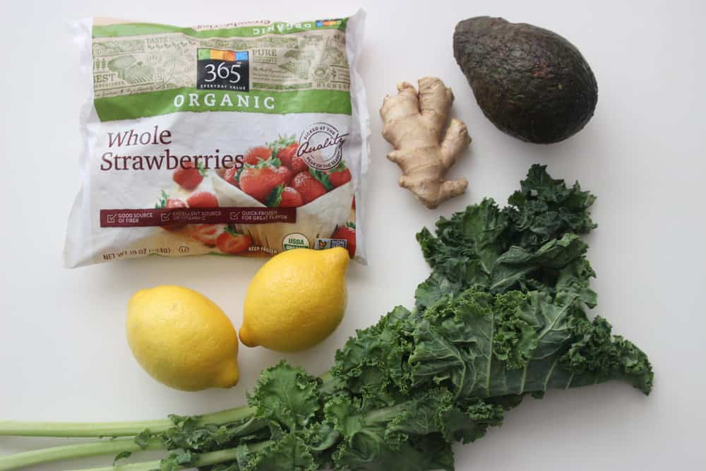 green-smoothie-prep-gather-ingredients-for-healthy-breakfast
