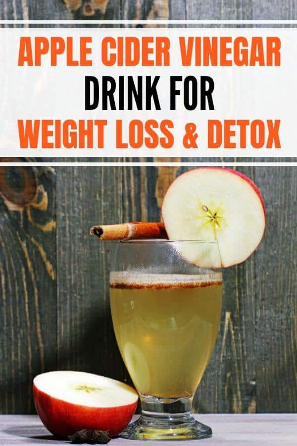 Best apple cider vinegar recipe for weight loss fat burning, detox, and other benefits. Drink Braggs ACV before bed or first thing in the morning. #weightlossdrink #applecidervinegar #detoxdrink #detox #morningdetox #acvdrink #acvdetox