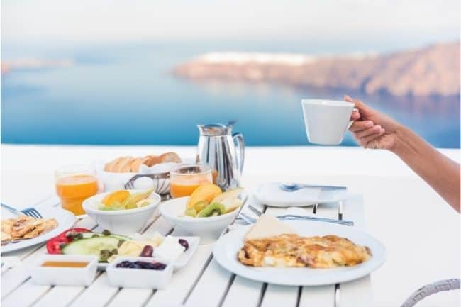 Eat healthy breakfast daily on vacation