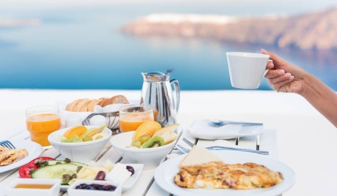 How to Eat Healthy on Vacation: 10 Tips for Eating Better While Traveling